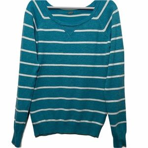 Women's Crew Neck Striped Soft Cozy Sweater size M